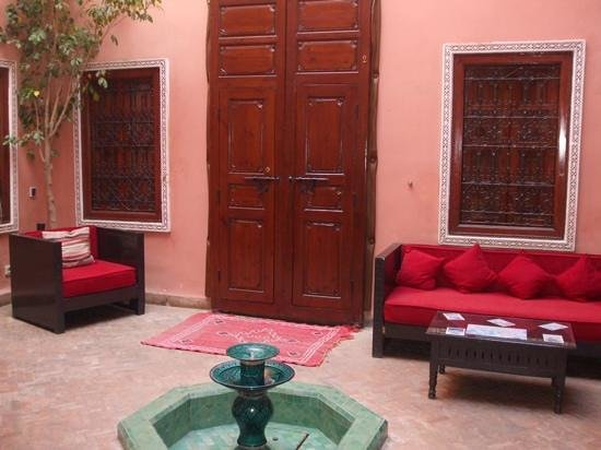 Riad Tizgui:                   jardin principal
