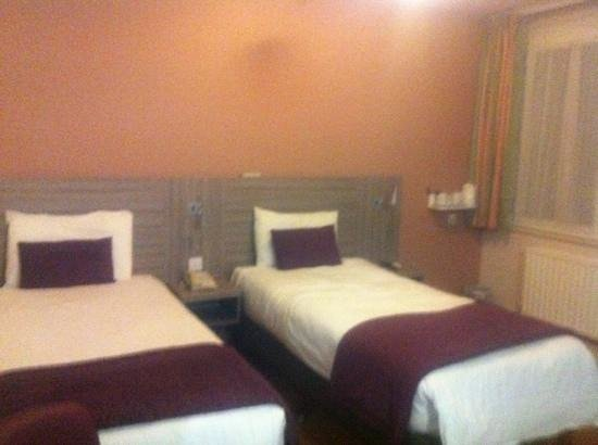 Comfort Inn Vauxhall: twin room