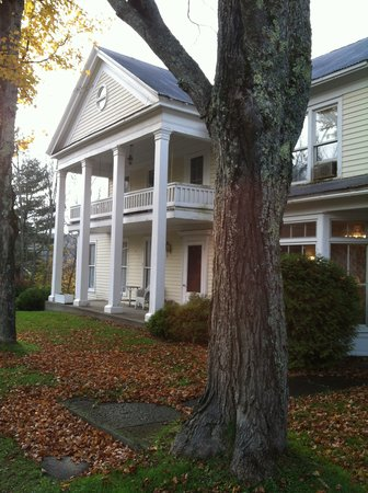 The Willow Tree Inn Bed & Breakfast