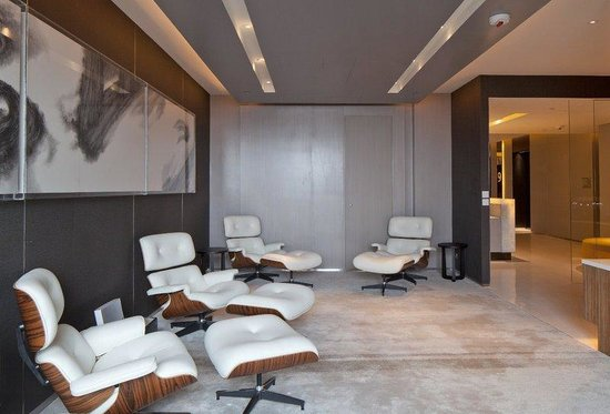 Hotel ICON: Timeless Lounge