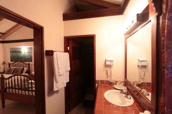 Belizean Shores Resort: Bathroom