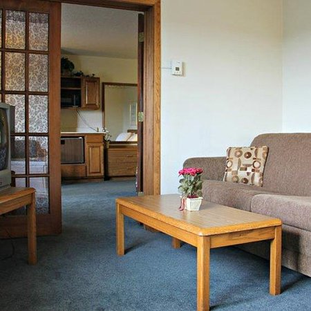 Waupun, WI: Suite With Amenities