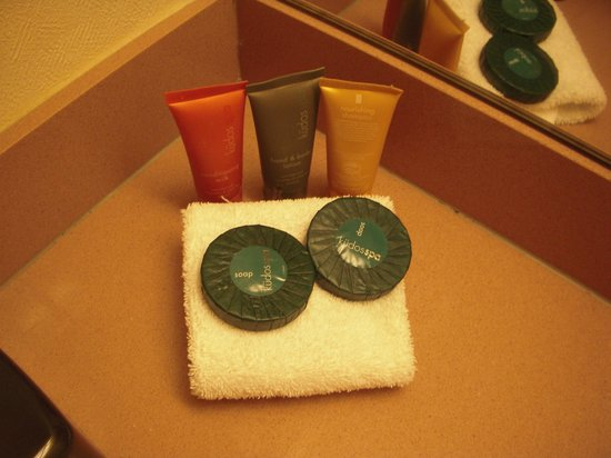 LVH - Las Vegas Hotel &amp; Casino: Shampoo, conditioner, lotion and soap