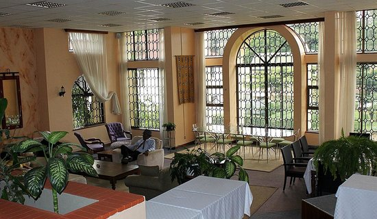 Tara Suites:                                                       the spacious living/dining room where we h