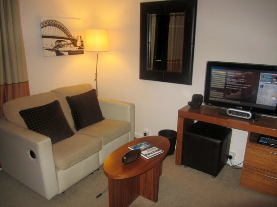 Staybridge Suites Newcastle: sitting area