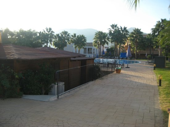 Mon Port Hotel &amp; Spa:                                     View of poolside cafe