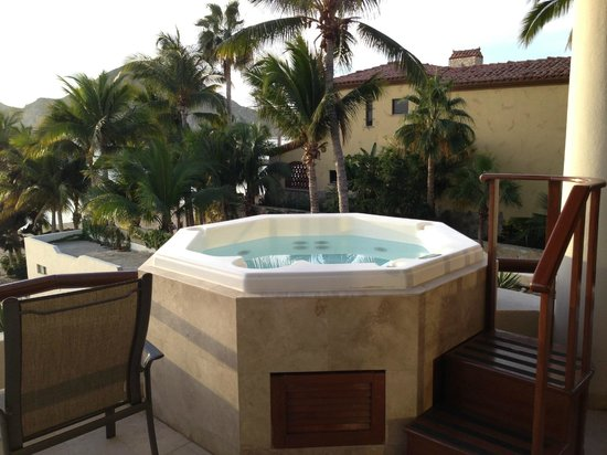Cabo Villas Beach Resort:                   Hot Tub