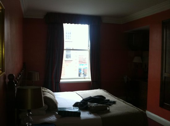 Mercantile Hotel:                   Room