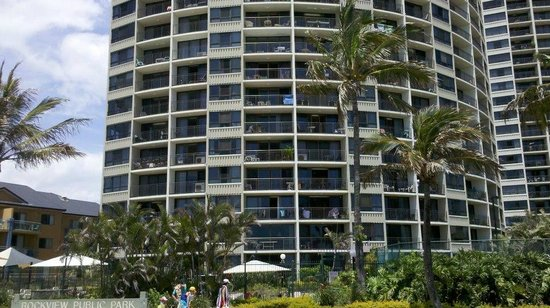 Princess Palm On The Beach Apartments Gold Coast:                   Building photo