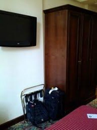 Beau Site - Antica Residenza:                   Flat screen and wardrobe