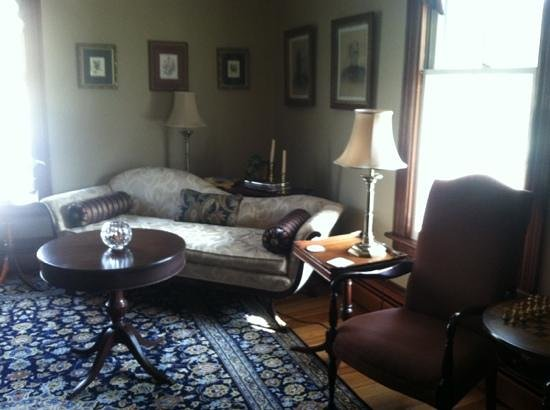 Afton Mountain Bed &amp; Breakfast: Other common room