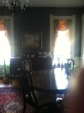Afton Mountain Bed &amp; Breakfast: Dining room
