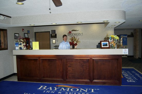 Baymont Inn Cambridge: Lobby