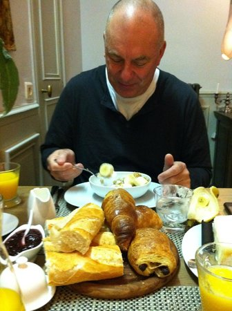 15 Grand Rue:                   Yummy breakfast!