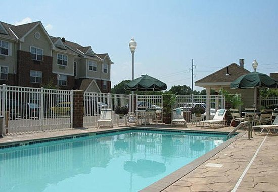 TownePlace Suites Minneapolis West/St. Louis Park: Outdoor Pool