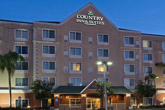 Country Inn &amp; Suites Ocala: CountryInn&amp;Suites Ocala  ExteriorNight