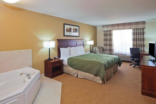 Country Inn & Suites Phoenix Airport at Tempe: CountryInn&Suites Tempe  WhirlpoolSuite
