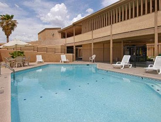 Days Inn & Suites Tucson: Pool