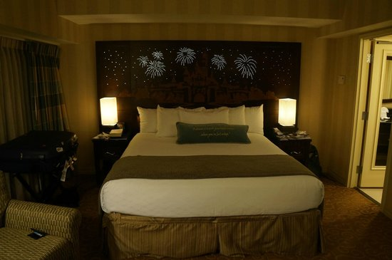 Disneyland 2 Bedroom Suite 28 Images Anaheim Hotels 2 Bedroom Suites Bedroom Review Design