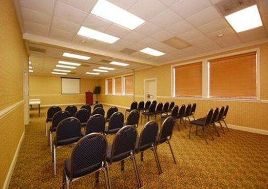 Clarion Inn & Suites Greenville: Map