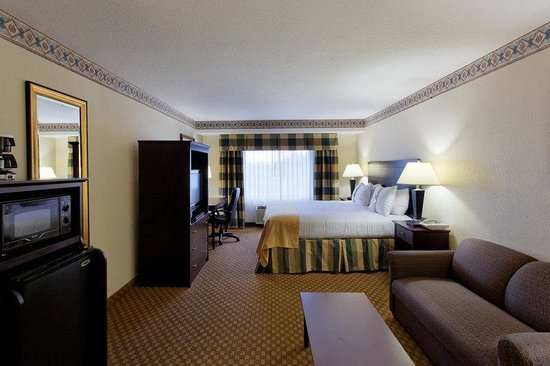 King Deluxe Suite Holiday Inn Portland/Gresham