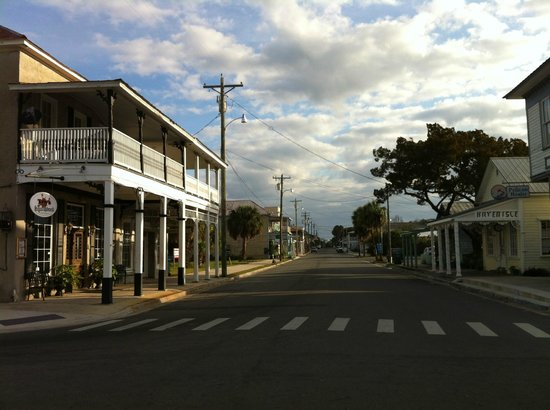 Mermaids Landing:                   Cedar key main st, early morning