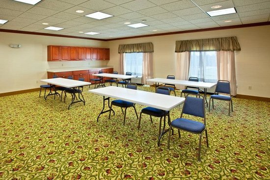 Holiday Inn Express Campbellsville: Meeting Room