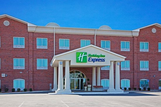 Holiday Inn Express Campbellsville: Hotel Exterior