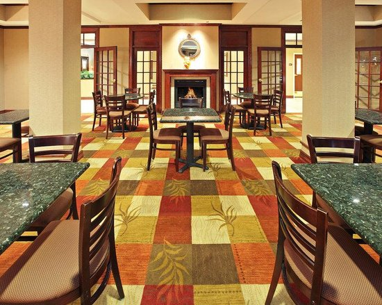 Holiday Inn Express & Suites Shreveport: Breakfast Area