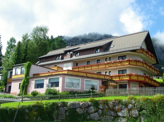 Hotel Pension Sonnenuhr