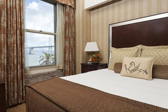 Hotel Griffon: Bay View King Suite