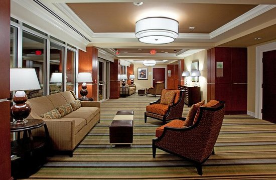 Holiday Inn Anderson: Pre-function Area located between banquet room and outdoor patio