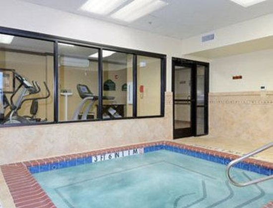 Wingate by Wyndham Abilene: Fitness CenterWhirlpool