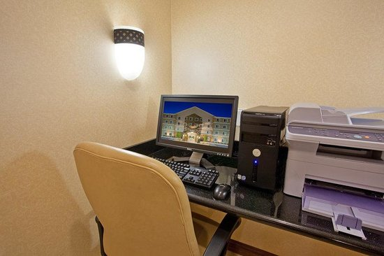 Staybridge Suites Albuquerque - Airport: Business Center