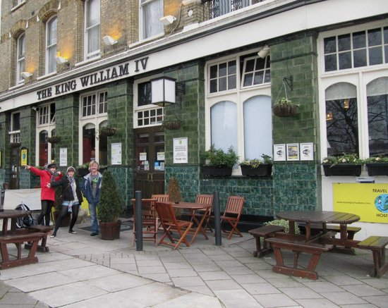 Travel Joy Hostels Chelsea:                   The hostel (which is also a pub downstairs) from outside