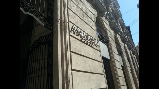 Hospes Amerigo: entrance
