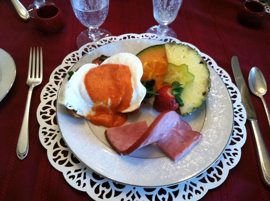 Lovelace Manor Bed and Breakfast :                                     Fabulous homemade breakfast.  They are GREAT cooks!
