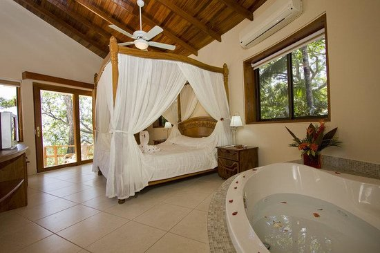 Tango Mar Beach, Spa & Golf Resort: Tropical Suite / Jacuzzi