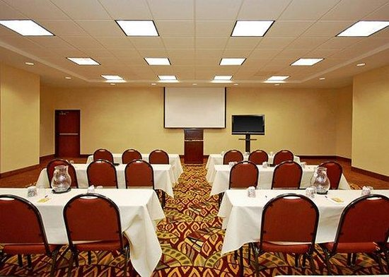 Comfort Suites Goodyear: Meeting Room