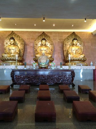 Mercure Batam:                   The famous Buddhist temple in Batam