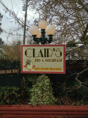 Clair's Bed & Breakfast:                                                       yard