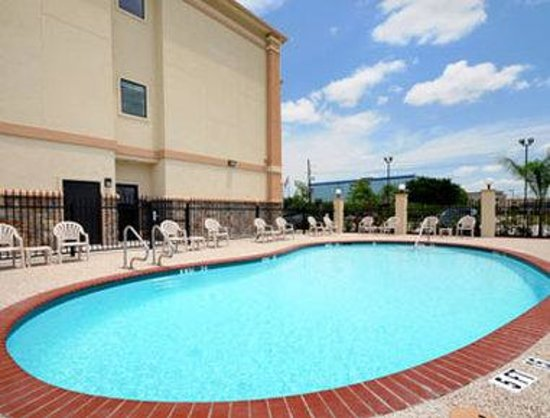 Super 8 IAH West / Greenspoint: Pool