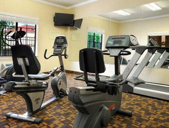 Super 8 IAH West / Greenspoint: Fitness Center
