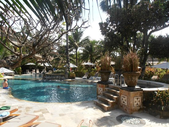 Legian Beach Hotel:                   Main swimming pool