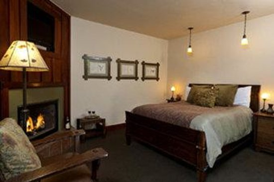 Blackbird Inn - A Four Sisters Inn: Bbi Rm Room