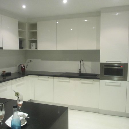 BYD Lofts Boutique Hotel & Serviced Apartments:                   what a modern kitchen