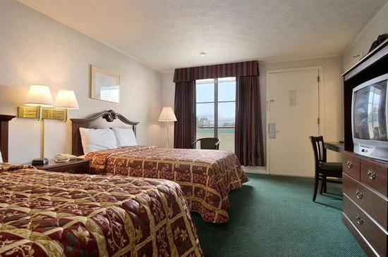 South Boston, VA: Double Beds