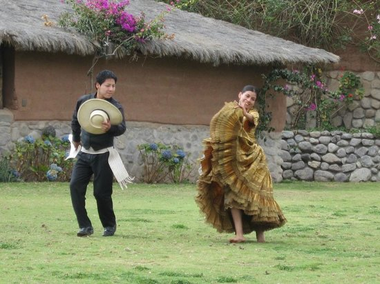 Sol & Luna Lodge & Spa: Traditional Dancers