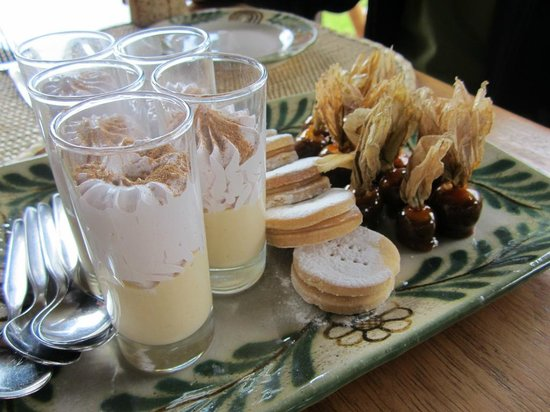 Sol & Luna Lodge & Spa: Dessert Tray