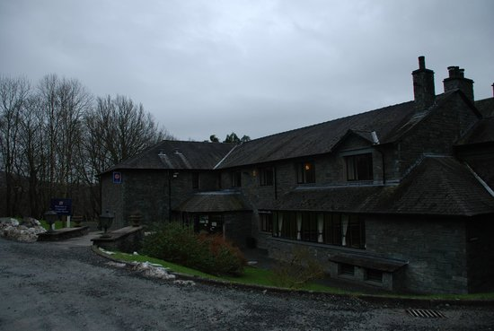 Cragwood Country House Hotel:                   Front of the hotel
